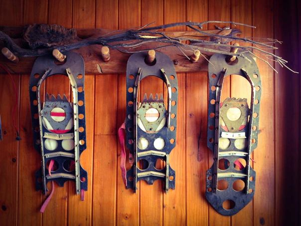 Traditional snow shoes