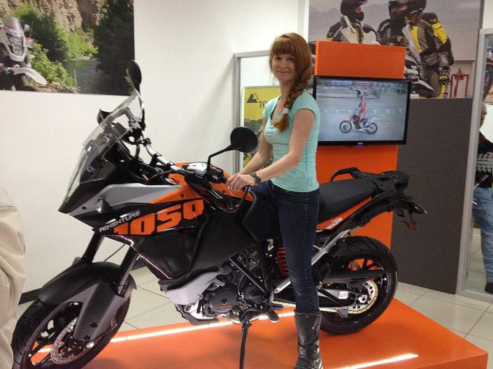 I am woman, hear me roar...on the new KTM 1050 showcased at Touratech Costa Rica's launch night, (still love you, Pearl).