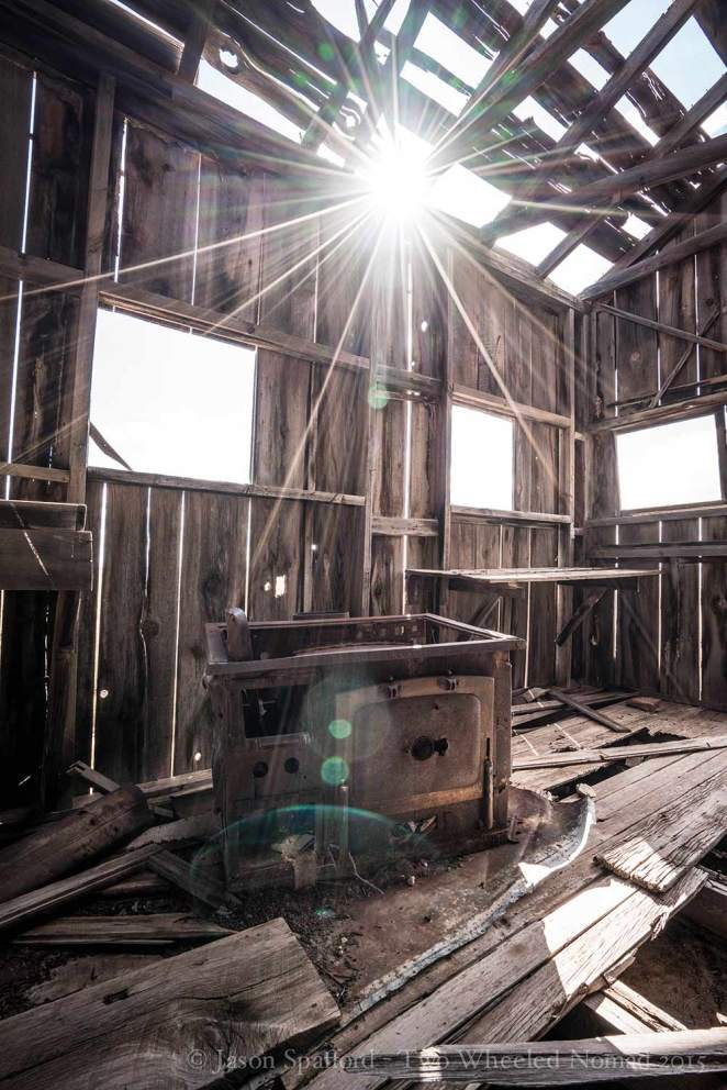 Beautiful light in the abandoned hut near Meteor Crater